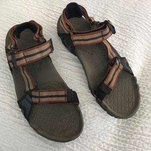 B1get1halfoff Men's Teva sandals sz 8